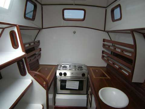 Sailing Catamaran TIKI 38' - Interior - Click to zoom.
