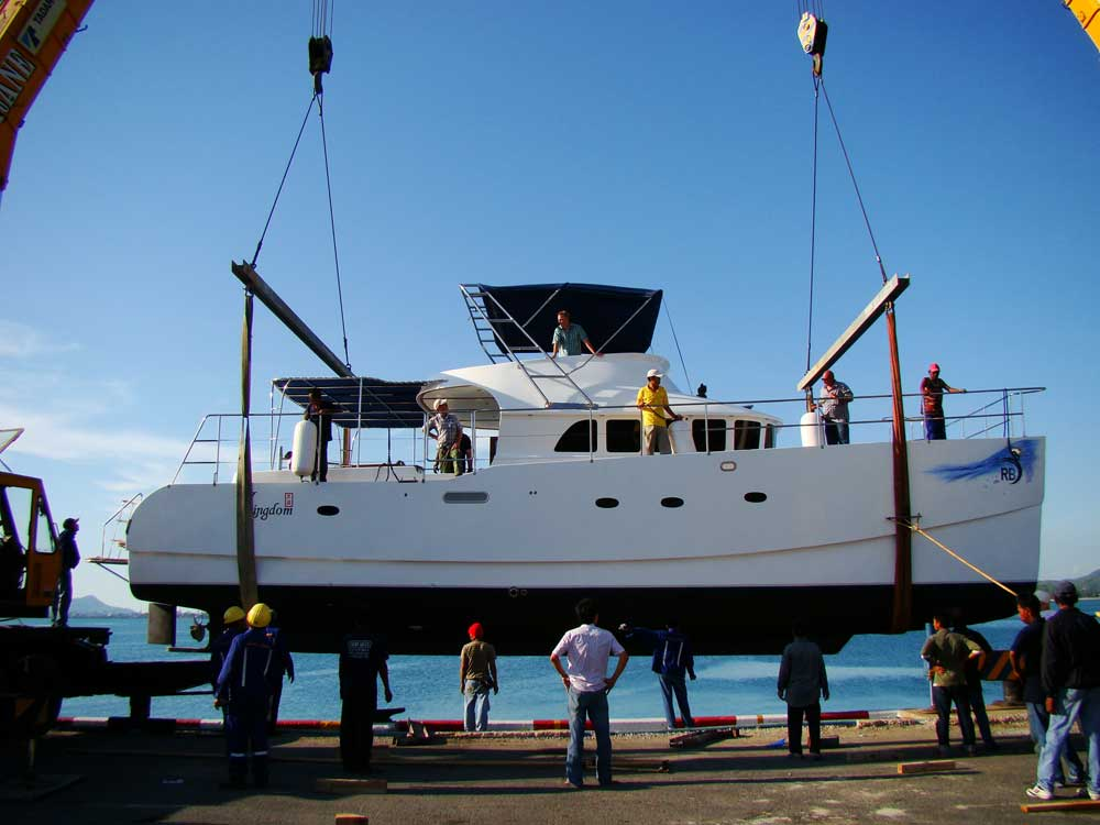 Power Catamaran Boat Builders submited images.
