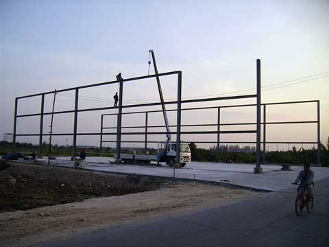 Building of our new boatyard - Click to zoom.