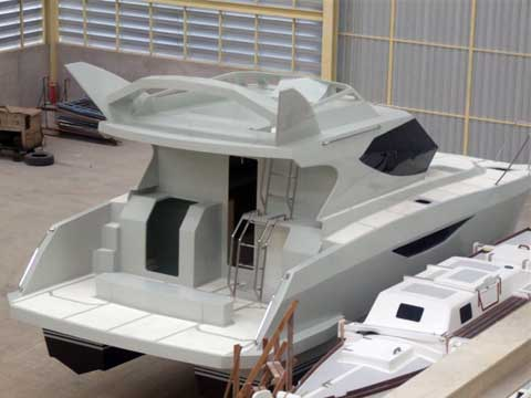 Power Catamaran Warrior 30' - Click me to open the gallery