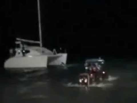 VIDEO - Red Tractor Submarine - Smile with us